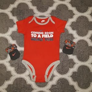 """Baby nike onesie with booties """"socks"""" size 3-6m"""